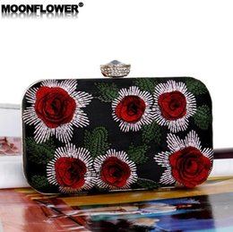 6ad1876cf67e Wholesale brand women handbag new flower bead embroidery dinner bag high- quality embroidery fashion banquet bag elegant celebrity diamond ch