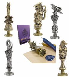 Wholesale 5pcs Cosplay Harry Botter Hogwarts Stamp Wax Seal Stamp Slytherin Hufflepuff Gryffindor Letter Seals Prop Christmas Gift