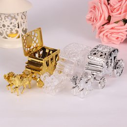$enCountryForm.capitalKeyWord Australia - Royal Carriage Design Wedding Favor Box Candy Box Gift Box Gold Silver Clear Cinderella Theme W9308