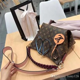 fringed handbags Australia - 2019 Hot Brand New High Quality Chain shoulder fashion bags Casual fashion handbag fringed decoration single shoulder chain bag84 AA168