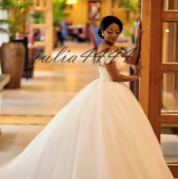 $enCountryForm.capitalKeyWord NZ - 2019 New Lace Tulle Wedding Dresses Ball Gown Off Shoulder Applique Lace Dresses Simple Temperament Ball Gown Wedding Gowns