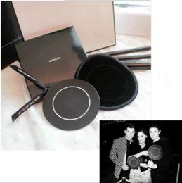 $enCountryForm.capitalKeyWord NZ - Hot!2019 classic Brand 2C small round mirror 6.5cm mirror Portable mirror with packing Box Wedding Gift VIP gift Wedding Gift (Anita Liao)