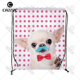 a0ed776aa Punto rosado lindo Tiny Chihuahua Bigote Rojo Pajarita Patrón de Impresión  Personalizado tela de Nylon Con Cordón Mochila bolsa de regalo # 164398