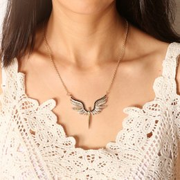 $enCountryForm.capitalKeyWord NZ - Women Fashion Gold Sweet Simple Necklace Jewelry Creative Praying Guardian Angel Wings Pendants Clavicle Delicate Necklace