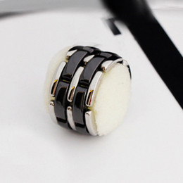 $enCountryForm.capitalKeyWord Australia - Classic hot-selling chain double row Black and white ceramic ring men Titanium steel Gold Finger ring For Women Love Rings