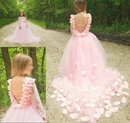 $enCountryForm.capitalKeyWord Australia - 2019 Cute Tulle A Line Flower Girl's Dresses Lace Applique Ruched Bow Sash Low Back Floor Length Toddler Girl's Birthday Party Pageant gown