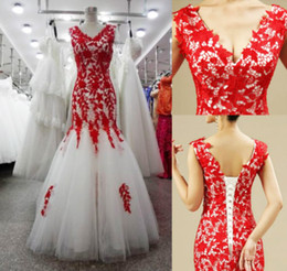 $enCountryForm.capitalKeyWord Australia - Sexy Red Lace And White Tulle Wedding dress V neck Mermaid Corset Back Designer Sweep Train Wedding Bridal Gowns Cheap new