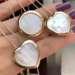 $enCountryForm.capitalKeyWord Australia - Natural Mother Pearl Shell Round Cross Heart Shaped Pendant Necklace For Women Gold color copper chain Necklaces Fashion Jewelry