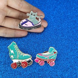 Kitten Shirts Australia - designer brooches Cartoon Roller skates Cat brooch Kitten Bumper car Brooches Metal Green Enamel Pin Buckle Jacket Bag Shirt Pin Badge