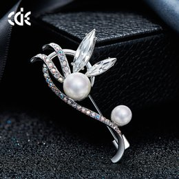 $enCountryForm.capitalKeyWord NZ - Wedding Party beaded pearl gift woman lady diamond jewelry Brooches for bride acting initiation graduation CDE-1237
