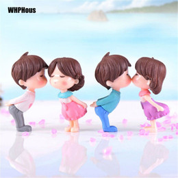 $enCountryForm.capitalKeyWord NZ - 2pcs Popular Kissing Lover Figurines Wedding Doll Miniatures Couple models Fairy Garden home decor baby toy DIY accessories