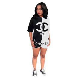 round neck full sleeves t shirts NZ - New Women Short Sleeve Round Neck Letter Print T-Shirts Top Shinny Shorts Set Sportwear Two Piece Outfit With Pocket