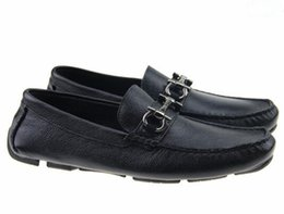Discount khaki loafer shoes men - Soft Leather men leisure dress shoe part gift doug shoes Metal Buckle Slip-on man lazy falts Loafers Zapatos Hombre 40-4