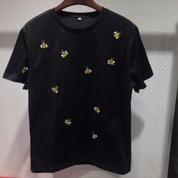 $enCountryForm.capitalKeyWord Australia - 2019 Summer New brand designer mens designer t shirts Many small bees embroidery casual Short Sleeve T Shirts casual Tee Shirts clothing