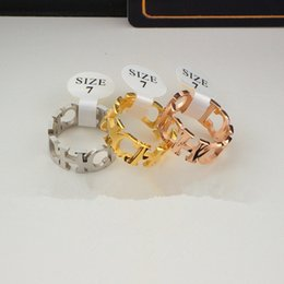 Toptan satış CH mektup bağlı geniş versiyon halka bayanlar titanyum çelik kaplama 18 K gül altın yüzük