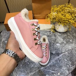 $enCountryForm.capitalKeyWord Australia - winter fashion short boots Wool snow shoes Thick bottom women's shoes Genuine leather Wool snow boots Warm sports Designer brand shoes