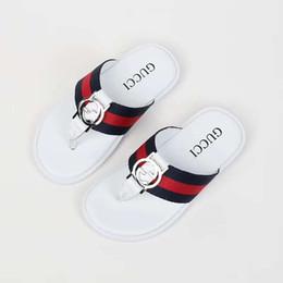 fbddc83a0e Zapatilla de bota para bebé niños flip flop sandalias sandalias de tiras  tanga negro blanco moda para niña Eu21-35