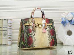 $enCountryForm.capitalKeyWord Australia - New product sell Fashion pattern Famous Brand designer Color H k women 35cm bag totes snake pattern high quality purses B K handbags 6835#