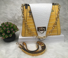 Sling Style handbagS online shopping - 2019 spring new women s bag European and American style retro color matching chain shoulder slung fashion handbag