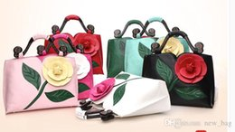$enCountryForm.capitalKeyWord Australia - Brand Women tote bag with a flower bucket bag high quality PU leather handbag vintage shoulder messenger bags 3D Rose bags 4 Colors