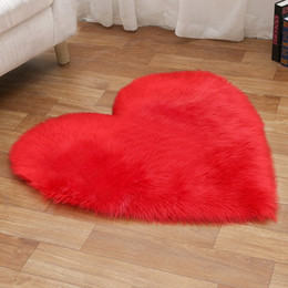 heart blanket UK - Plush Love Heart Carpets Fabric Blanket Soft Sofa Cushion Living Room Bedroom Carpets Decoration 25 Colors HHA1119