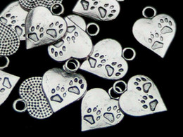 $enCountryForm.capitalKeyWord Australia - 100pcs Vintage Cat Dog Paw Prints Heart Charms Pendants Beading Beads Fit Bracelet Jewelry Making Findings Findings &Components Accessories