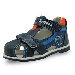 Discount boys closed toe sandals - Apakowa 2019 summer kids shoes brand closed toe toddler boys sandals orthopedic sport pu leather baby boys sandals shoes