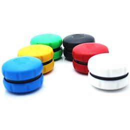 $enCountryForm.capitalKeyWord NZ - Herb Grinder Macaron Shaped Plastic Grinders Manual Smoke Grinder hand mullers Miller 2 Layers smoking accessories free shipping YW2164