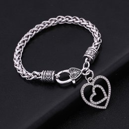 Heart Shaped Chains For Couples Australia - Fishhook Wholesale New Retail Dropshipping Fashionable Metal Material Love Couples Heart-shaped Crystal Pendant Bracelet For Girlfriend