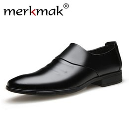 Men Slip Suits Australia - Men's shoes british business suit men shoes Slip on flats wedding leather men dress oxford formal for
