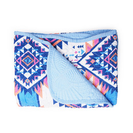 China Gabigaba Pre-school Quilted Blanket Aztec Blue Scalloped Quilted Baby Cover Pink Tent Girl Shower Wrap Gift for Baby DOM106GB003 suppliers