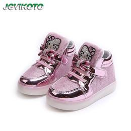 730f17e64 JGVIKOTO Crianças Sapatos Brilhantes Para O Bebê Da Menina Da Criança  Grandes Crianças Luminosas Sapatilhas LED Strass Olá Kitty Com Bowtie 21-36