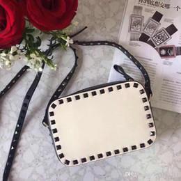 $enCountryForm.capitalKeyWord NZ - 2018 New Fashion Handbag Shoulderbag Lady Bag Gold Rivet Valentine S Day Bags Camera Bag Clutch Small Box Blank Nude Red Wine Brown Colors
