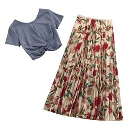 $enCountryForm.capitalKeyWord NZ - Two Piece Set Summer Women Chiffon Skirts Solid O-Neck Short Sleeve T Shirts Casual Flower Print Skirts Set