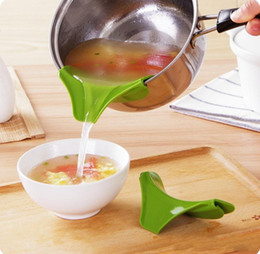 Bowls For Kitchen Australia - Multifunction Food-grade Silicone Slip On Pour Spout Clip On Single Pouring Spout for Pans Bowls Kitchen Tool