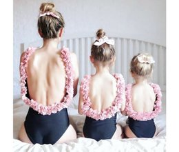 $enCountryForm.capitalKeyWord UK - Mommy And Me Flowers Backless Swimsuit 2019 Family Matching Clothes Baby Girls Hat X Swimwear Mom And Daughter Swimsuit