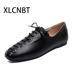 Heat Shoes NZ - Designer Dress Shoes 2019 autumn Spring Fashion low heel Casual Lace Singles lace up White black with heel Round heat Student