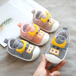 baby crochet shoe patterns UK - IYVyo Autumn 2020 all-match canvas pattern magic sticker baby anti-skid soft bottom male and female non-slip Velcro non-slip shoes baby todd