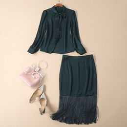 Green Ribbon Bows Australia - 2019 Spring Long Sleeve Green Crew Neck Ribbon Tie-Bow Tassel Blouse + Skirt Sets Luxury Runway Two Piece 2 Pieces Twopiece Set M231412A2