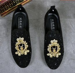 $enCountryForm.capitalKeyWord NZ - New Top Sell Men charming glitter rhinestone embroidery bees flats Dress Shoes Male Wedding Homecoming Evening Groom Prom star shoes DA01