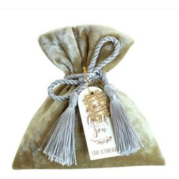 $enCountryForm.capitalKeyWord Australia - Wedding Favor Candy Box Jewelry Pouch Delicate Chinese Flower Embroidery with Traditional Tassel and Jade Asian New Year's Gift Bags