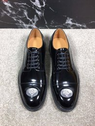 American Leather Shoes Australia - 2019 new European and american style business patent leather shoes , Genuine leather flat men shoes,intact packaging