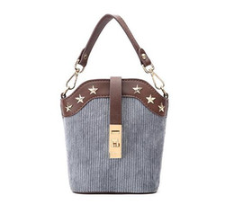 $enCountryForm.capitalKeyWord Australia - Fashion Female Panelled Hasp Shoulder Bags High Quality PU Leather Women Bucket Bags Mini Chains Handbag With Star Pattern L506