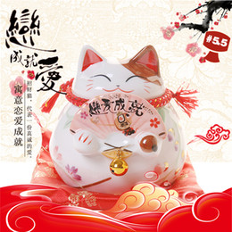 love couple art Canada - Chinese Lucky Cat Ceramic Love Cat Home Decoration Valentine's Day Piggy Bank Gift Couple Piggy Bank Feng Shui Crafts Gift Souvenir