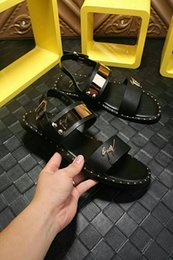 AmericAn shoes heels online shopping - 2019 European and American leather driving through the penetrating gas personality fashion new men s shoes