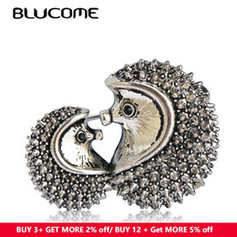 Christmas Clothes Scarf Australia - scarf buckle Blucome Vivid Mother Kids Hedgehog Brooch Vintage Antique Silver Color Animal Brooches Pins Clothes Accessories Scarf Buckles