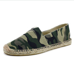 print casual canvas shoes UK - 2019 Fashion Slip-On Lazy Canvas Shoes Camouflage Military Men Casual Shoes Breathable Camo Flats Mens hemp bottom Loafers