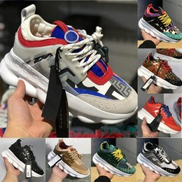$enCountryForm.capitalKeyWord NZ - Chain Reaction 2019 Mens Womens Fashion Luxury Casual Shoes Youth Ladies District Medusa Link-Embossed Sole Designer Trainer Sneakers