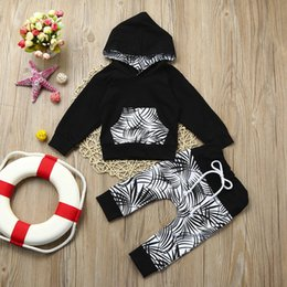 Wholesale Winter Hot Selling Toddler Baby Boys Girls Fashion Clothes Long Sleeve Set Leaf Hoodie Tops Pants Suit Kids Casual Outfits