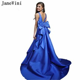 $enCountryForm.capitalKeyWord Australia - JaneVini Sexy Long Royal Blue Prom Dresses Sweep Train V Neck Sleeveless Big Bow Back Satin Plus Size Formal Party Gowns Custom Made